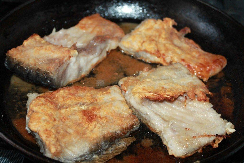 Сколько жарить рыбу на сковороде?