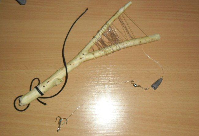 Как ловить щуку на рогатку?